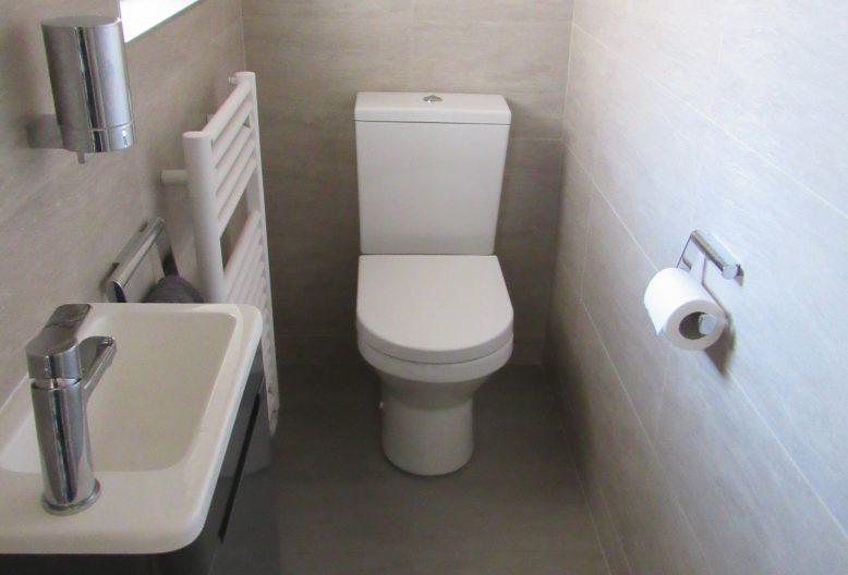 toilet vvs randers